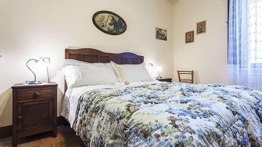 letto matrimoniale appartamento residence villa valsi